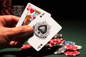 Cách phán đoán bài Blackjack nên rút tiếp hay dừng lại?