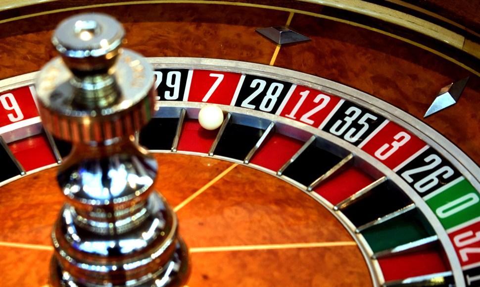Người Việt muốn vào chơi tại sòng Casino: Mua Vé 1.000.000 đ/lượt