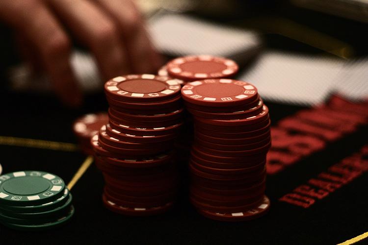 Hướng dẫn cách chơi bài Blackjack (Đầy đủ & chi tiết) 1