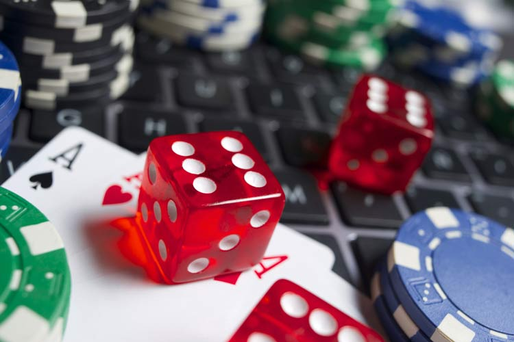 Hướng dẫn chơi bài Poker 3 lá (Đầy Đủ & Chi Tiết)
