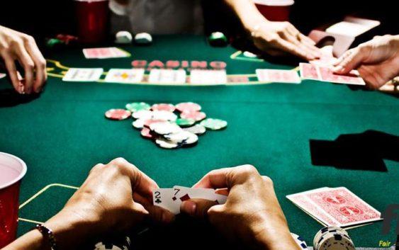 [Image: cach-choi-poker-2-la-563x353.jpg]