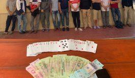 12 đối tượng bị bắt giữ khi tham gia đánh bạc tại nhà