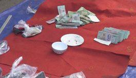 Công an bắt quả tang 3 cán bộ xã đánh bài ăn tiền