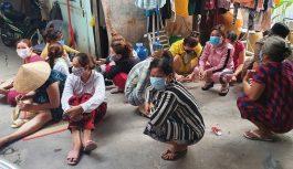Bắt 14 phụ nữ tụ họp đánh bạc ăn tiền trong mùa dịch