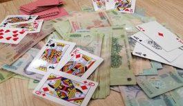 4 cán bộ xã ở Điện Biên bị cách chức vì đánh bạc