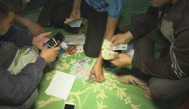 Bắt quả tang 19 đối tượng đang say sưa đánh xóc đĩa tại Đắk Lắk
