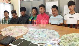 Phá ổ liêng giữa làng, bắt 7 con bạc tại Hà Tĩnh