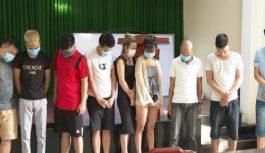 Phát hiện 20 nam nữ thanh niên đánh bạc trong cùng nhà nghỉ