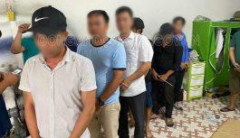 Tạm giữ 06 đối tượng đánh bạc trong Gara xe ô tô tại Biên Hòa